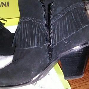 Gianni Bini ankle black boots